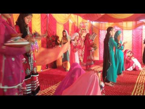 students of Numal model school barhing BHIMBER AK  performing on |man di moj vich hasna |