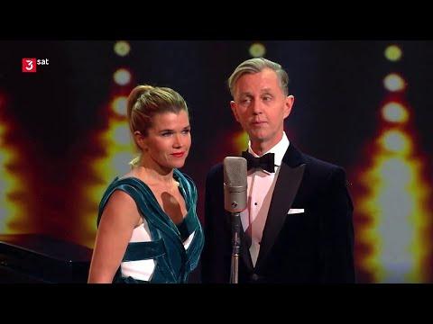 Max Raabe \u0026 Anke Engelke - Ich Bin Nur Wegen Dir Hier