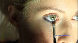 How to line the lower lash line with an eye pencil Thumbnail