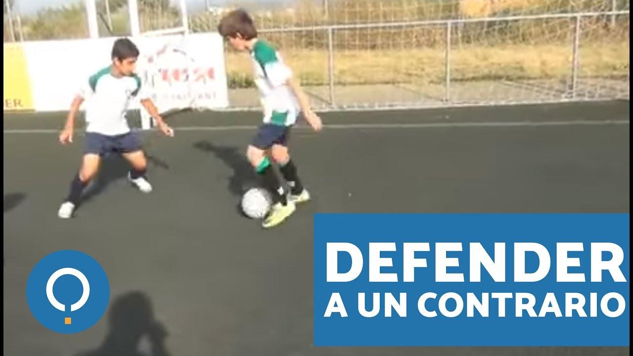 Cómo defender a un contrario con balón en fútbol (soccer) - YouTube 06126a77f01e0