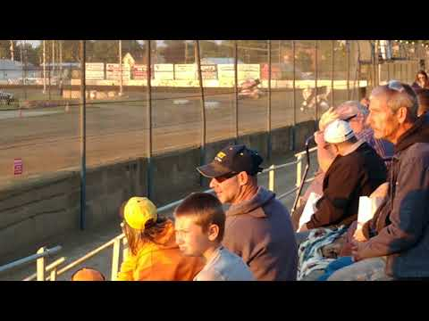 Qualifying qualifying at Fremont Speedway for four tens