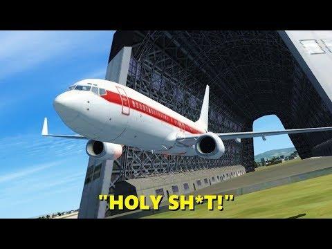 Flying a 737 through a HANGAR! Flight Simulator X (Multiplayer)