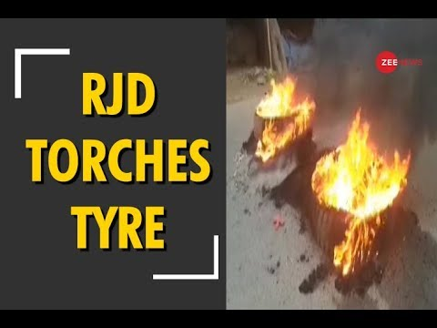 Bharat Bandh: RJD workers torch tyres in Bihar