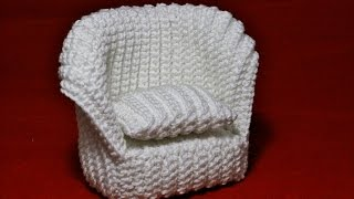 Crochet pattern, step by step for a dollhouse. More information on the webseite: www.lanzagurumi.com.