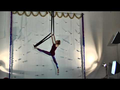 Anastasia on Aerial Sling at Circus Building/Aerial Fit's Winter Student Showcase