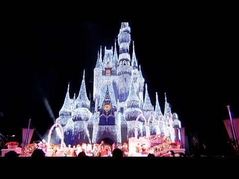 Walt Disney World New Years 2017 Day 2: The Best Christmas Decorations and Fireworks in the World!!