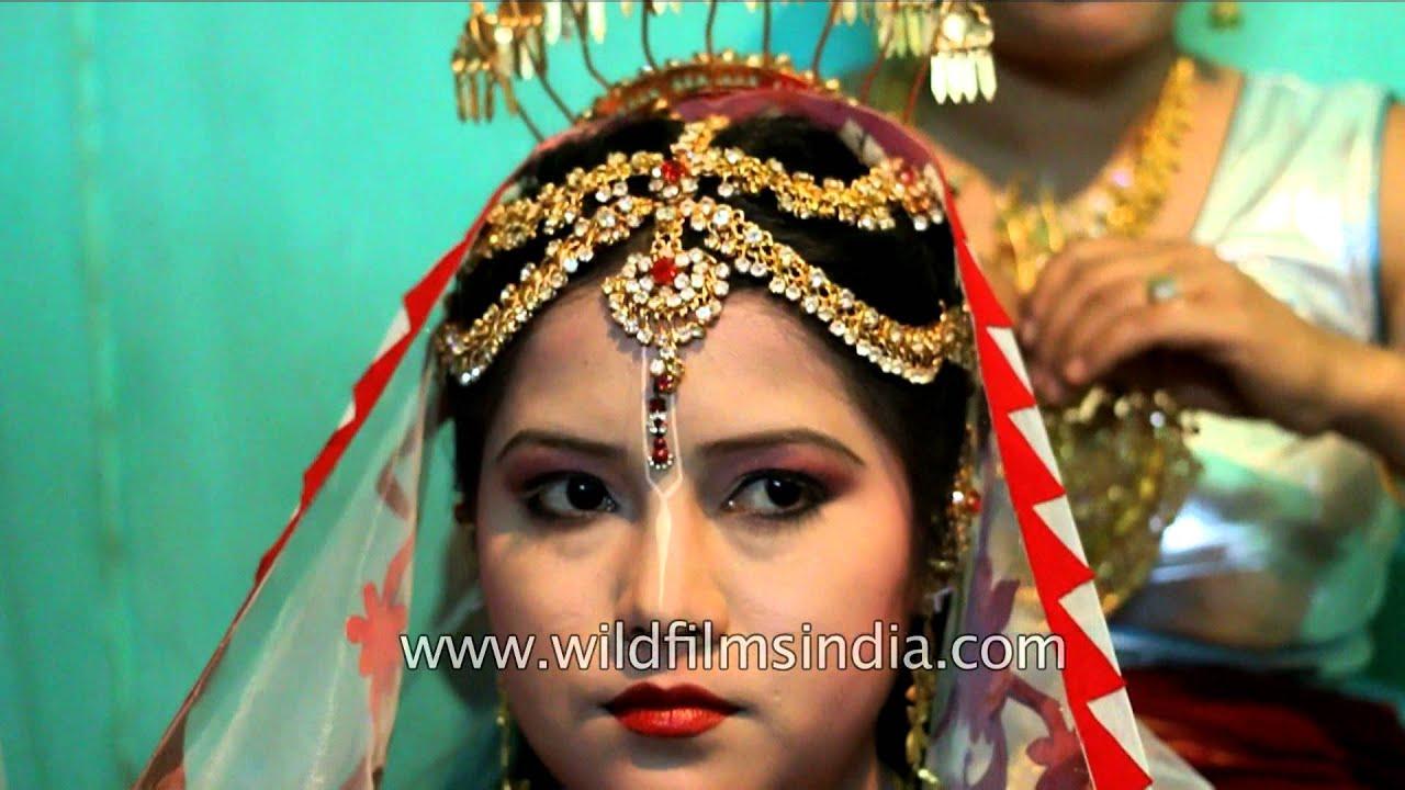 Manipuri bride gets ready for wedding
