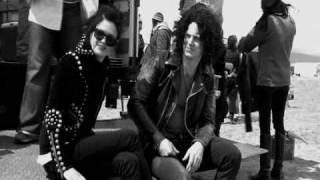 The Dead Weather- 60 Feet Tall (music video)