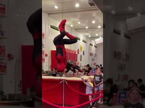 Awesome Spiderman Cosplay Show-Cosplay FarFromHome Costumes - 동영상