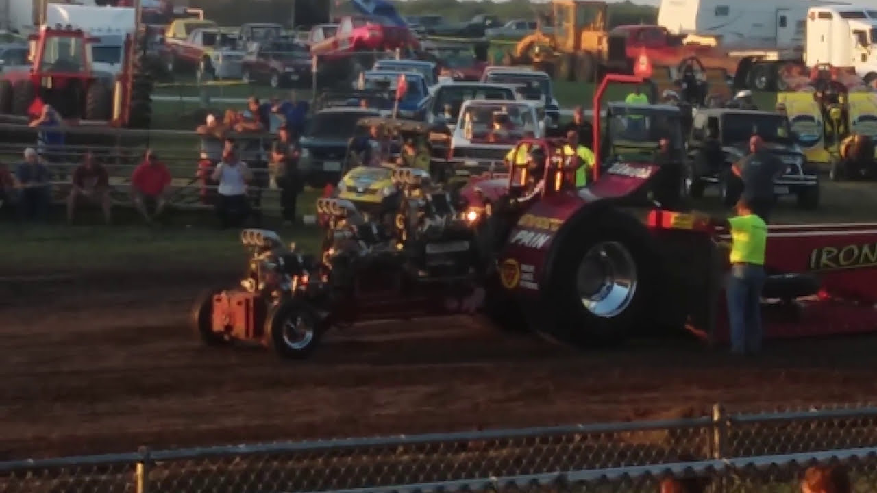 outlaw truck and tractor pull macon mo favorite custom youtube. Black Bedroom Furniture Sets. Home Design Ideas