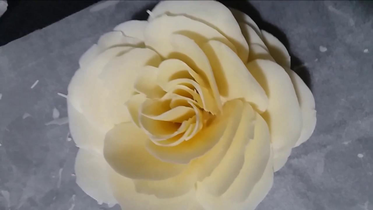 Fleur En Chocolat Blanc Tres Facile Youtube