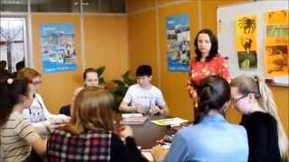 фрагмент урока (уровеньTeens Pre intermediate) в школе английского языка Oxford English School
