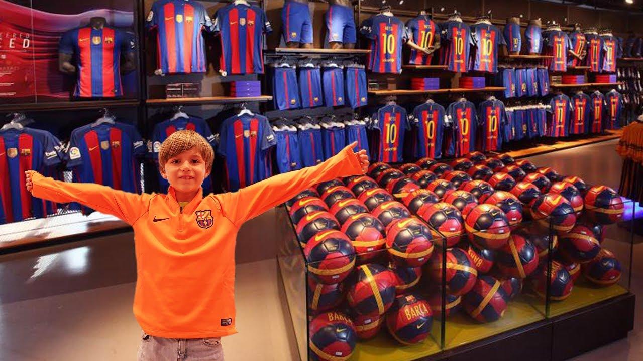 FC Barcelona Mega Store Shopping Experience Fun - YouTube 91cb2f65a97