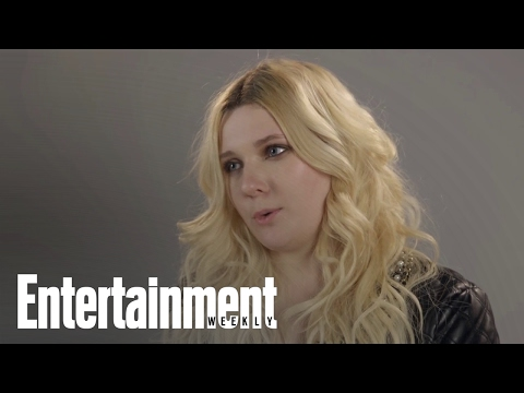 How Her Family (Sort Of) Kept Her Normal | Entertainment Weekly
