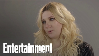 Abigail Breslin On How Her Family (Sort Of) Kept Her Normal   Entertainment Weekly YouTube Videos