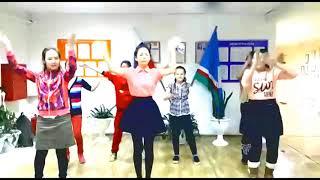 Девочки-активистки детской организации Пионерская зорька