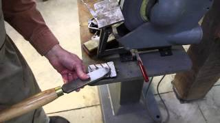 Using A Bench Grinder To Sharpen Turning Tools