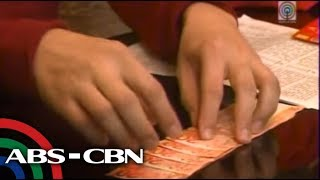 How to fold a 'lucky money' for Chinese New Year