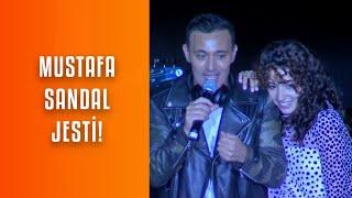 Zeynep Bastık, Mustafa Sandal sürpriziyle Harbiye'yi coşturdu!.mp3