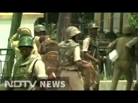 10 dead in clashes after terrorist Burhan Wani's killing in Kashmir