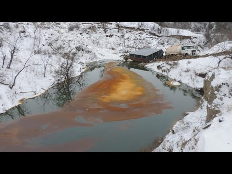 Oil Pipeline Bursts Close To Standing Rock Protest