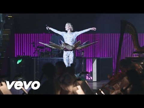 Oh Land - Perfection (Live)