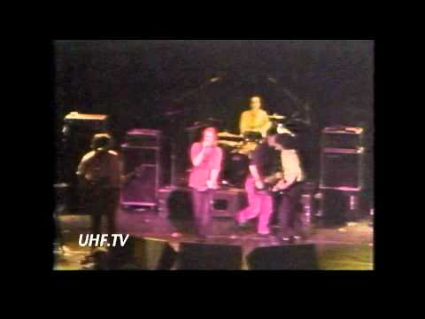 UHF.TV #8 RIP Celso Chavez, Cafe 322