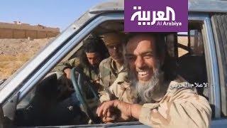 عناصر داعش يسلمون أنفسهم لميليشيا حزب الله والسعادة تغمر وجوههم