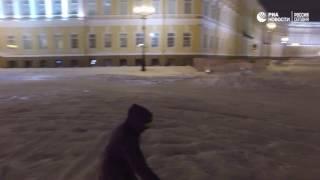 На сноуборде по Дворцовой площади