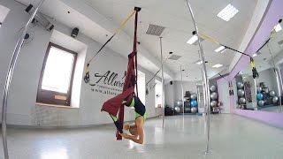 Сутула Настя  Видеоурок по воздушной акробатике Перевернутая балеринка