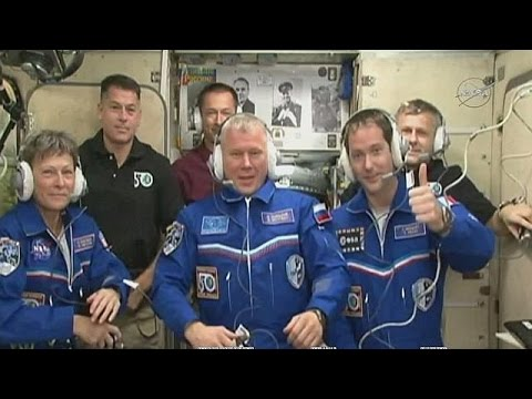 Astronaut votes in the French election from International Space Station