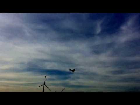 Max turnt mit dem quadcopter und Kevin heizt die Hacker Katana