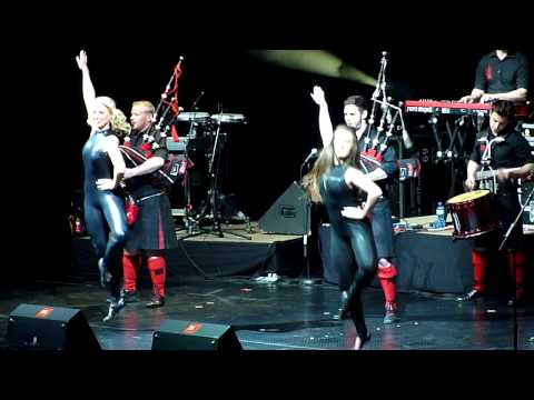 Red hot chilli pipers live in Sofia - Intro and ZZ top cover