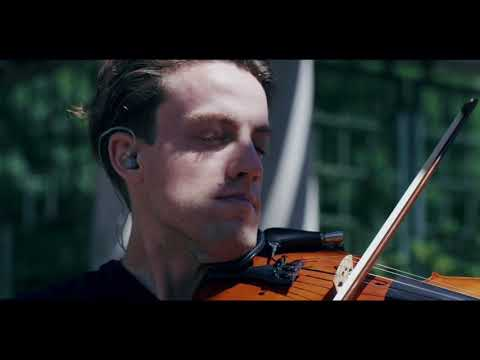 Looping Violinist performing the Game of Thrones Theme Tune