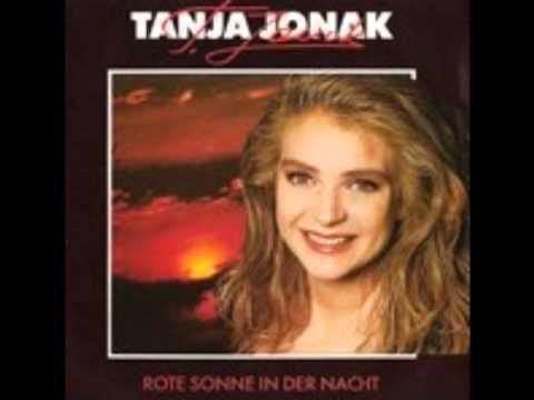 Tanja Jonak  rote sonne in der nacht