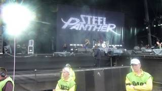Steel Panther - Gold Digging Whore Live Download Festival 2014 (Donington) 15.06.2014