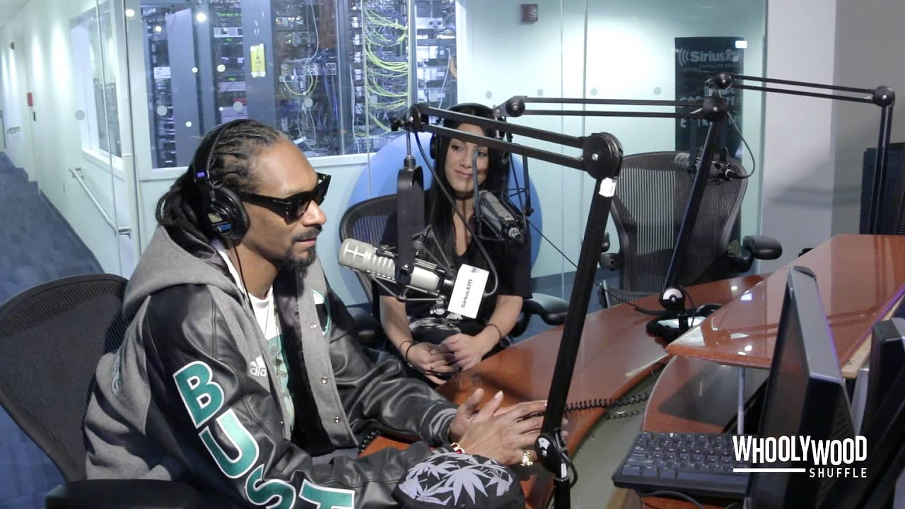 Snoop Dogg Speaks on Suge Knight, NWA Movie & Hillary Clinton with DJ Whoo Kid (Video) #1