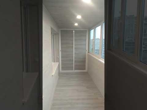 Отделка лоджии ламинатом. Как это выглядит? Ламинат на стену и потолок.