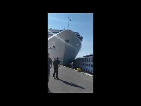 The Randy, Jamie and Jojo Show  - Huge Cruise Ship Crashes Into Venice Tourist Boat