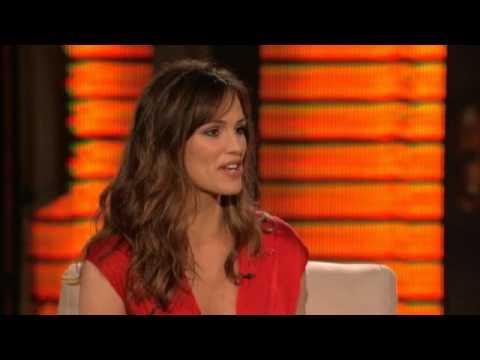 Lopez Tonight - Jennifer Garner Interview - Pinata...