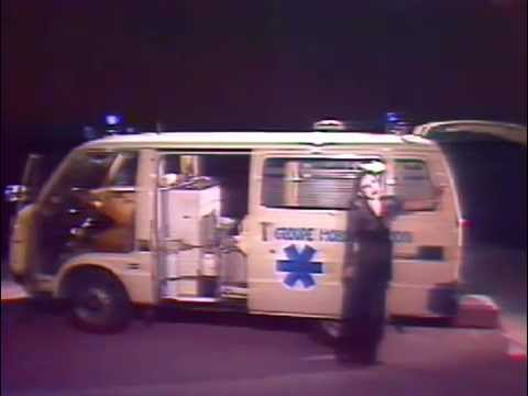 Megumi Satsu 薩 めぐみ - Monte dans mon ambulance (1980)