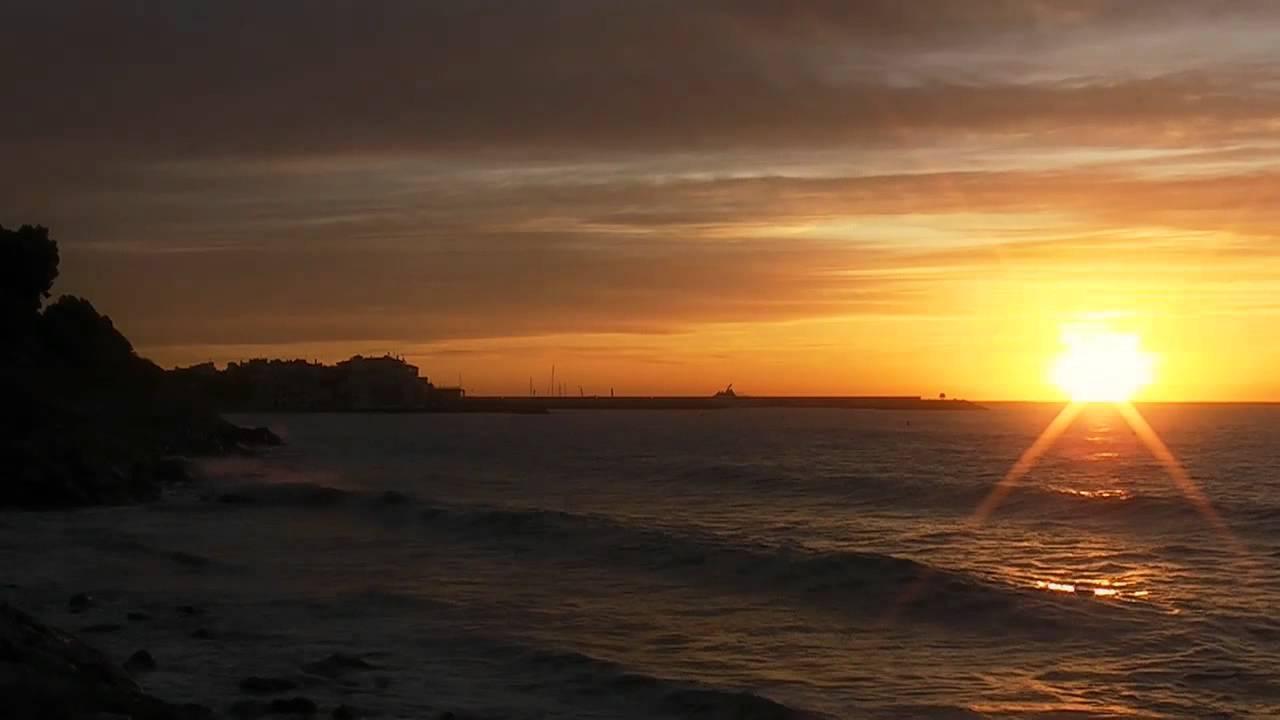 Amanecer Y Atardecer En La Costa HD