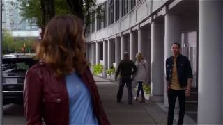 The flash 3x03 10 jesse saves from wally