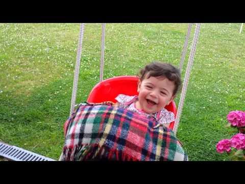 Bebe rire