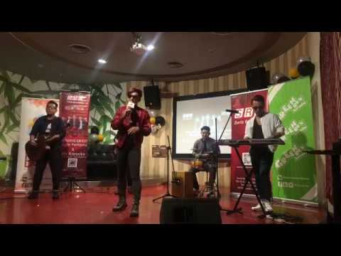 "Majlis Pelancaran Single Pertama & MV Karaoke Xpose Band ""Sandiwara"" di Red Box , The  Gardens Mall"
