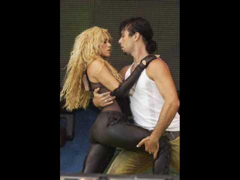 Shakira sexy love