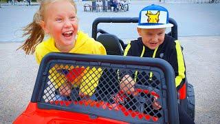 Дети устроили веселые игры в прятки