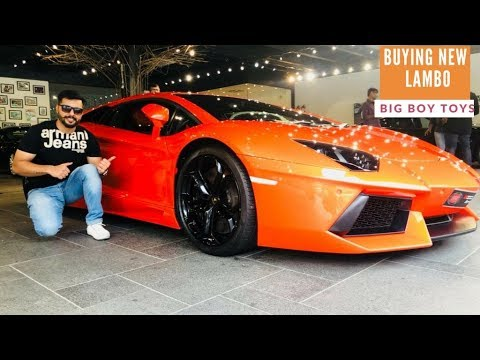 BIG BOY TOYZ || INDIA'S BIGGEST SUPERCARS SHOWROOM || LAMBORGHINI AUDI R8 FERRARI AND OTHERS