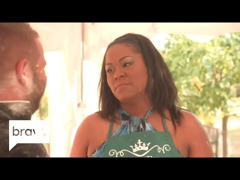 To Rome for Love: Nakita's Date Can't Keep His Hands Off Her (Episode 9) | Bravo