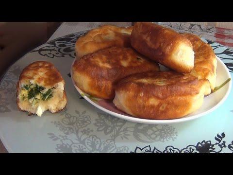 Как пожарить пирожки с луком и яйцом